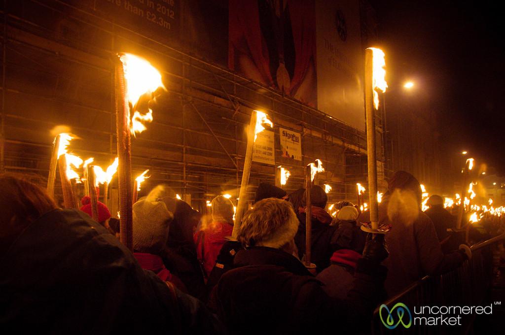 Edinburgh Torchlight Procession Gets Started