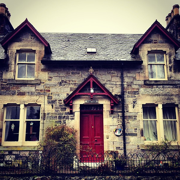 Wee li'l highland house. Killin, #Scotland #blogmanay