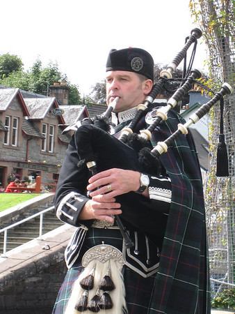 Spud the Piper in Fort Augustus, Scotland
