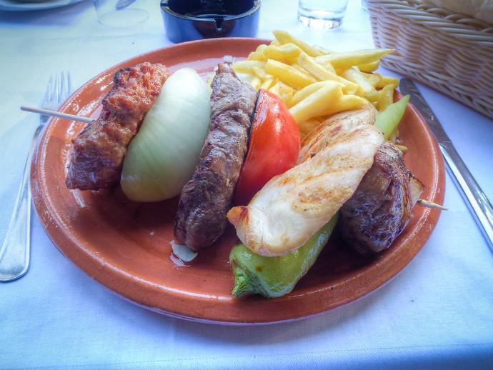 tri sisera belgrade serbia