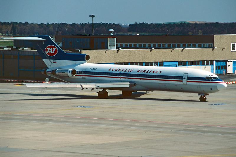 "YU-AKJ Boeing 727-2H9 ""JAT"" c/n 22394 Frankfurt/EDDF/FRA 14-04-95 (35mm slide)"