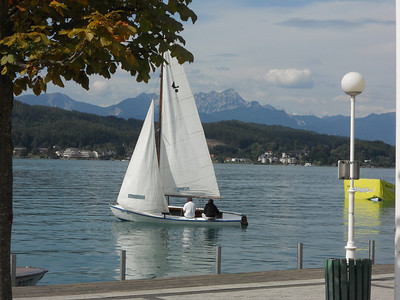 A sailboat on Lake Worthersee.