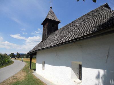 VBT riders are riding past this older chapel near Rosegg.