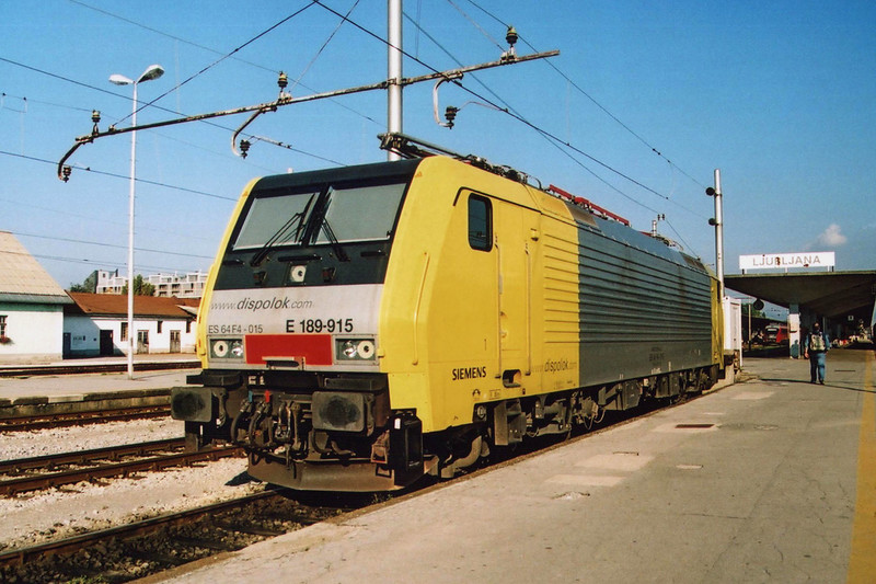 Dispolok owned E189-915 at Ljubljana.