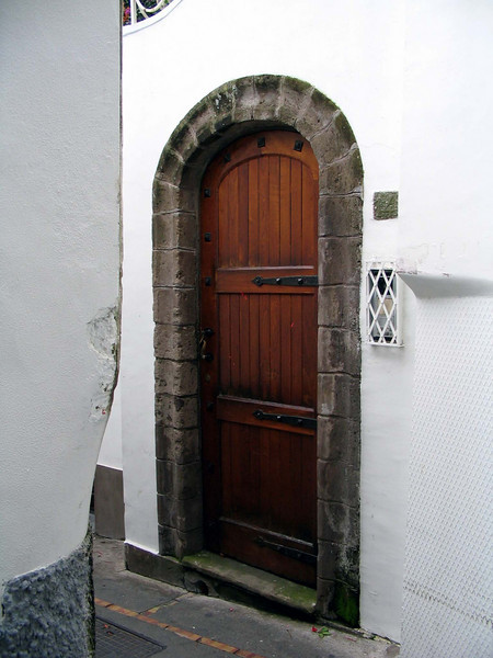 <center>Medieval Style Door    <br><br>Capri, Italy</center>