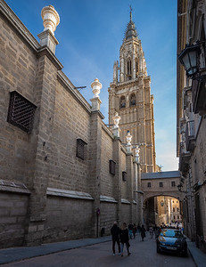 alley with glimpse of Toledo Cathedral
