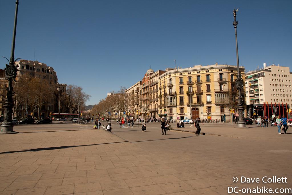 Square in front of the Arc de Triomf