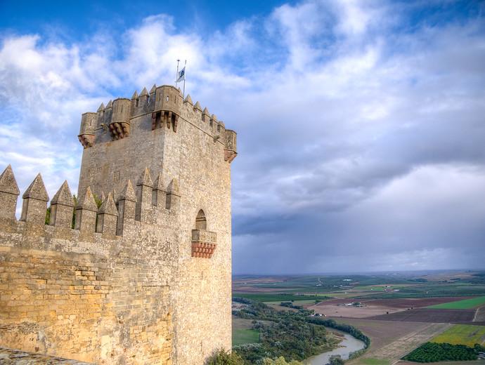 castillo de almodovar balcony thrones
