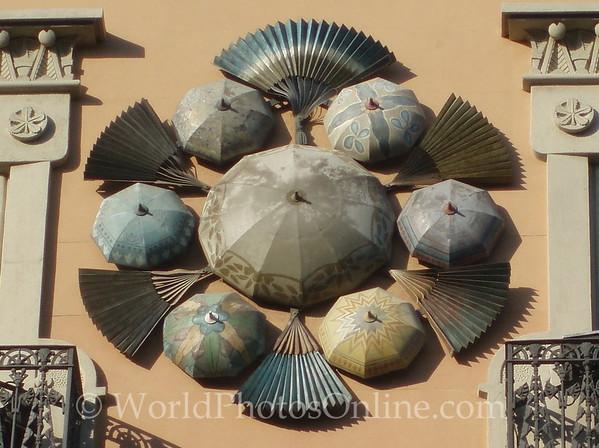 Casa Quadros - Fans and Umbrellas