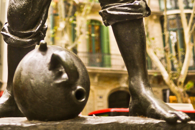 A statue in Barcelona, Spain near Placa Catalunya.