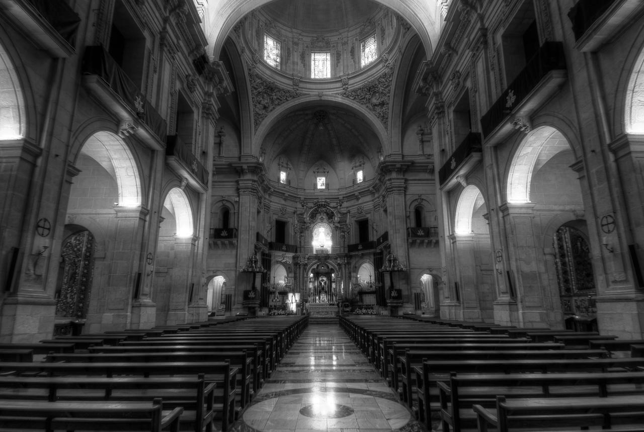 Inside Basilica de Santa Maria in Elche, Spain