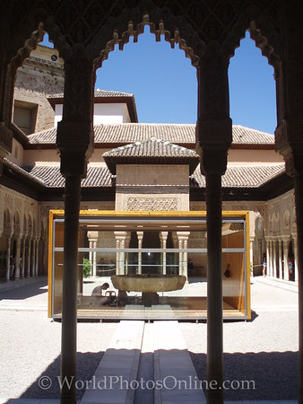 Alhambra - Nasrid Palace - Lions - Courtyard of Lions 2