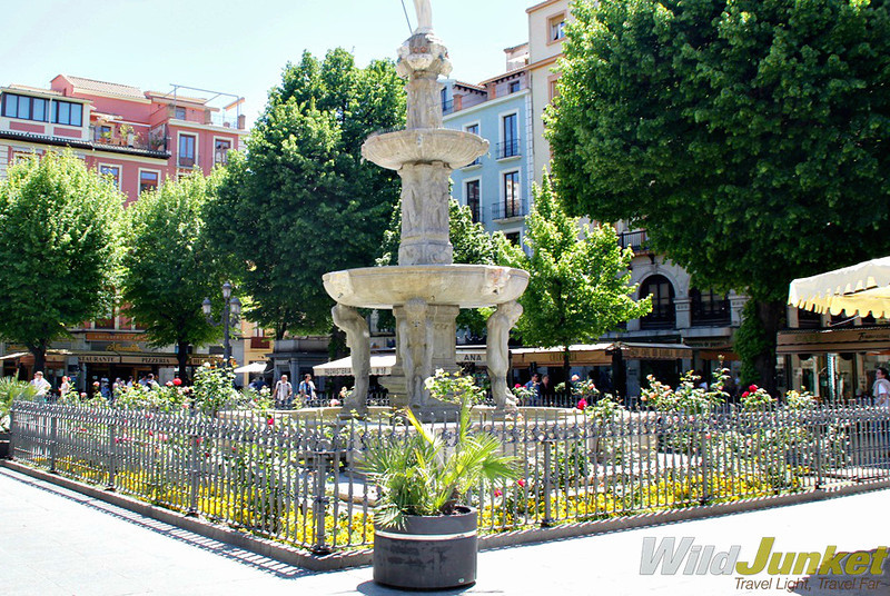 Fountain in Plaza Bib Rambla