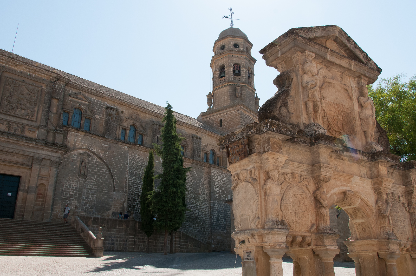 Renaissance Monumental Ensembles of Ubeda and Baeza