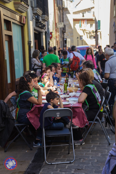 Family Street Feast in Pamplona (©simon@myeclecticimages.com)