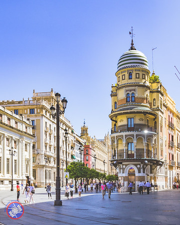 Typical Street Scenes in Sevilla (©simon@myeclecticimages.com)