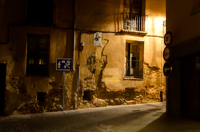 A Segovia street at night