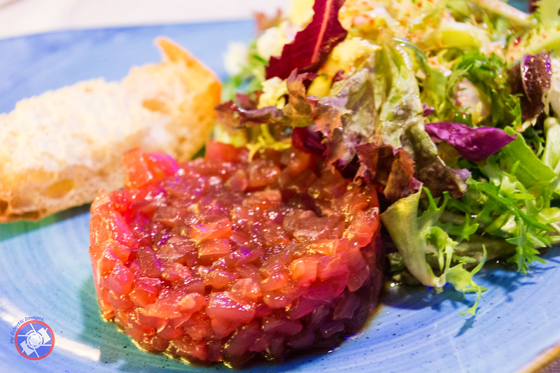 Tuna Tartar and Accompaniments (©simon@myeclecticimages.com)
