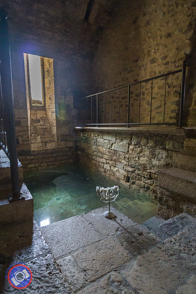 The Mikvah in Besalu (©simon@myeclecticimages.com)
