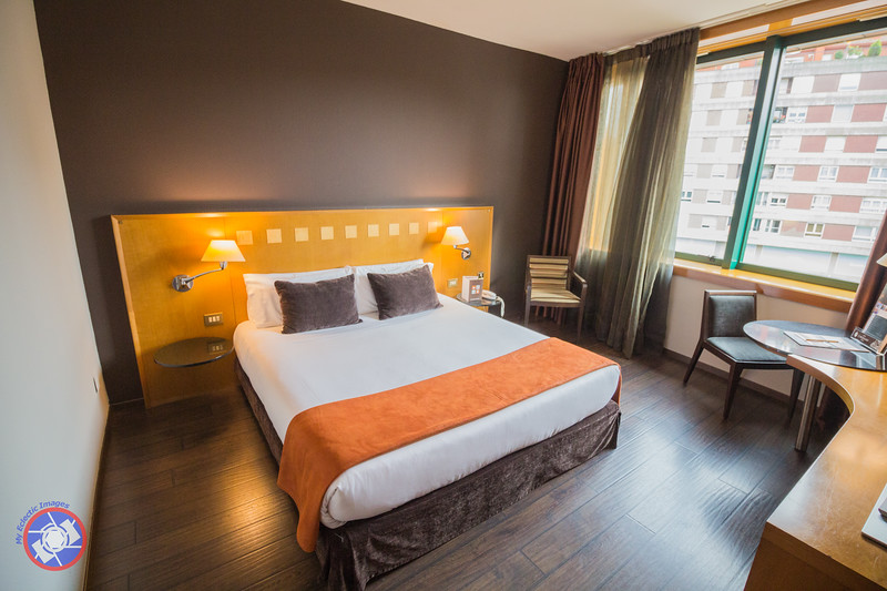 A Standard Room in the Hotel Carlemany in Girona (©simon@myeclecticimages.com)