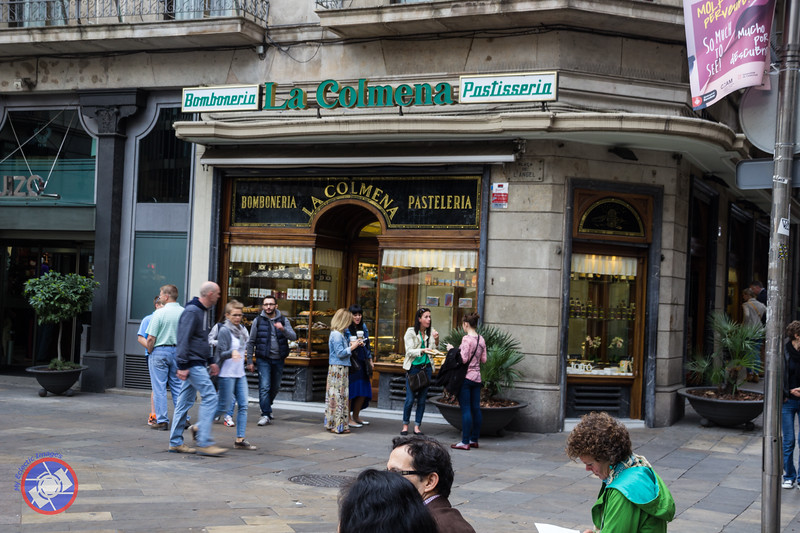 A Pasteleria in the Square at the Starting Point of the Sandeman Walking Tours (©simon@myeclecticimages.com)