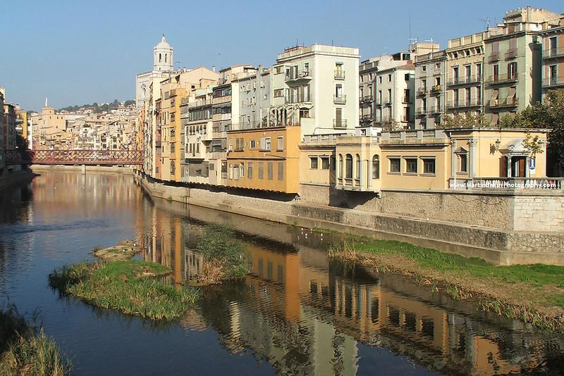 The River Onyar, Girona, Catalunya, Spain.