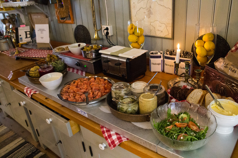 Buffet Lunch at Siarö Fortress (©simon@myeclecticimages.com)