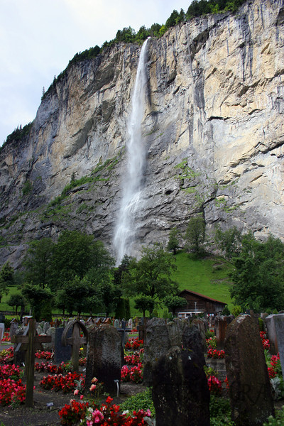 I wondered on if I would like to be buried here. I think this would be a good place to be. Certainly if you could still sense your surroundings after death I would love to be in such a beautiful place. Staubbach falls is in the background.