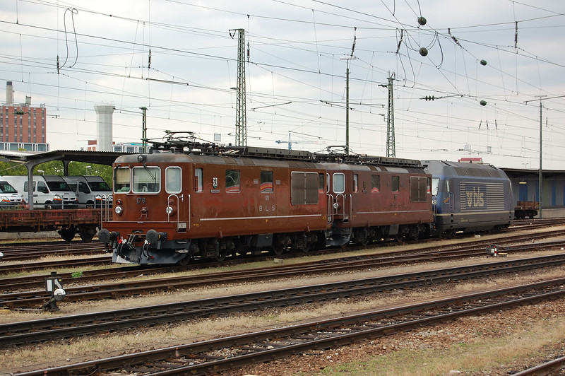 BLS Re4/4 178 waits its next turn of duty at Basel Badischer Bahnhof.