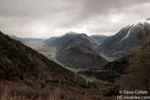 Halfway down the descent into Switzerland