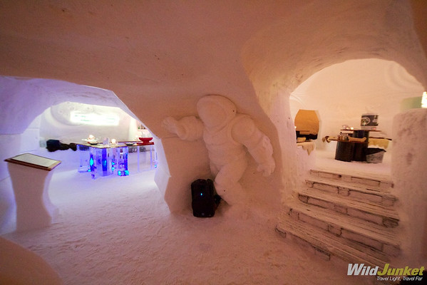 Astronaut Snow Statue at Iglu-Dorf Zermatt