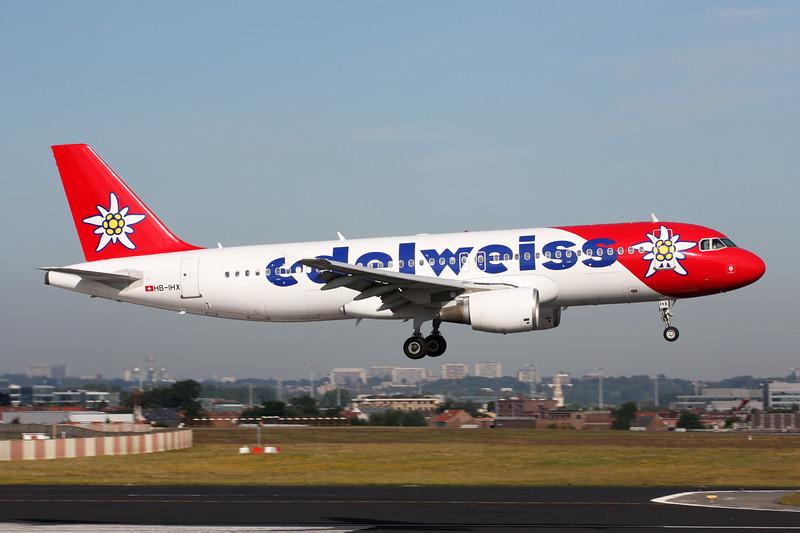 "HB-IHX Airbus A320-214 ""Edelweiss Air"" c/n 0942 Brussels/EBBR/BRU 23-06-14"
