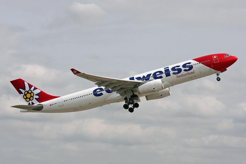 """HB-JHR Airbus A330-343E """"Edelweiss Air"""" c/n 1711 Zurich/LSZH/ZRH 08-09-17"""