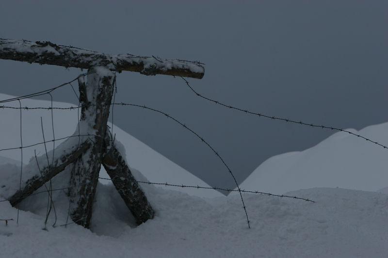 Fence, fresh snow - Saas Fee