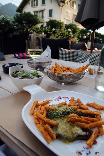 Switzerland, Pays-d'Enhaut, Hotel Valrose, Beef Steak & Pommes Frites
