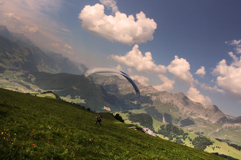 Switzerland, Pays-d'Enhaut, Parasailer Launching Off