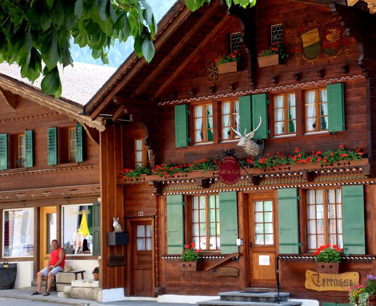 Switzerland, Pays-d'Enhaut, Rougement, Terrosse Chalet