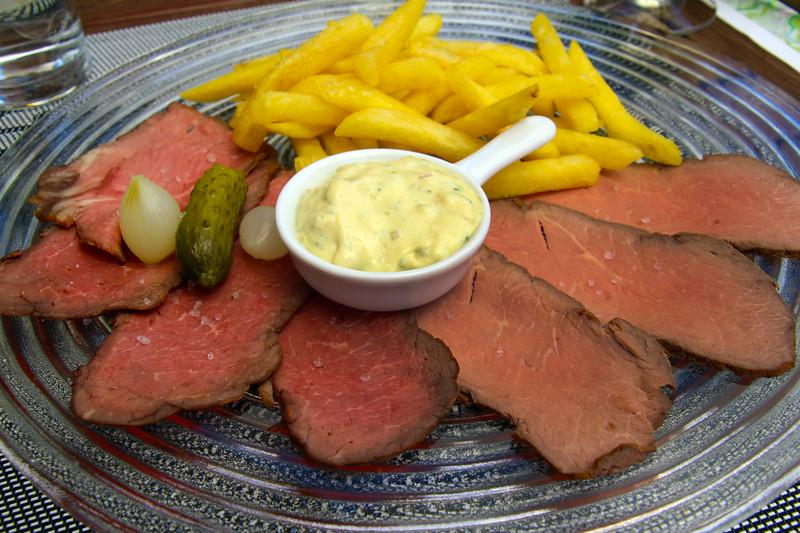 Switzerland,Roast Beef Plate, Chateau d'Oex, Hotel de Ville