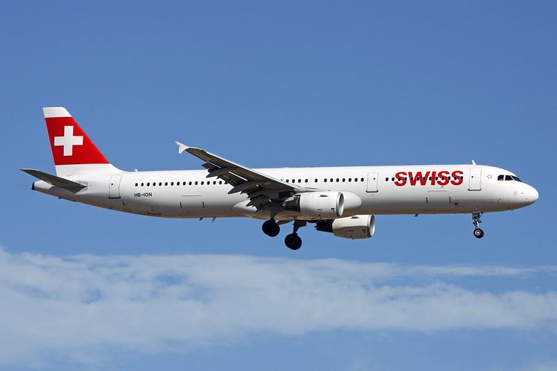 HB-ION Airbus A321-212 c/n 5567 Palma/LEPA/PMI 15-06-16