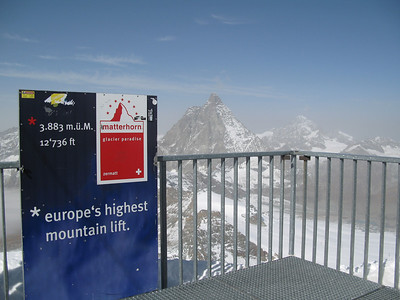 The official height at the top of the Klein Matterhorn is 3883m.