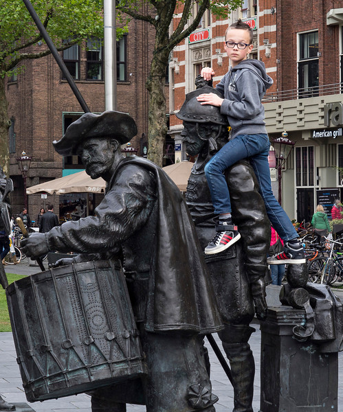 Climbing the Rembrandt sculptures