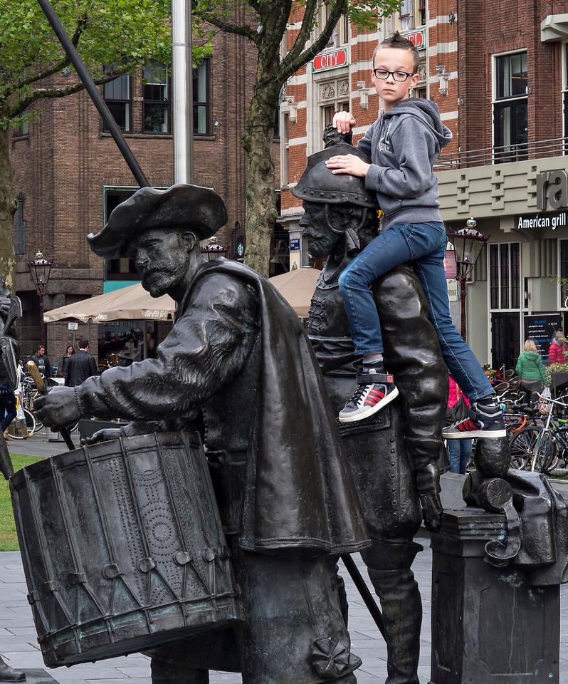 Climbing the Rembrandt sculptures