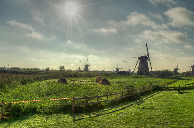 Windmills in the Moring Sun, Kinderdijk