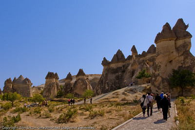 Next stop on our tour is Paşabağı.  This area has some of the most striking fairy chimneys in Kapadokya, some featuring twin and even triple rock caps.