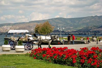 Kordon - A horse-drawn carriage waiting for a customer at Cumhuriyet Meydanı (Republic Square).