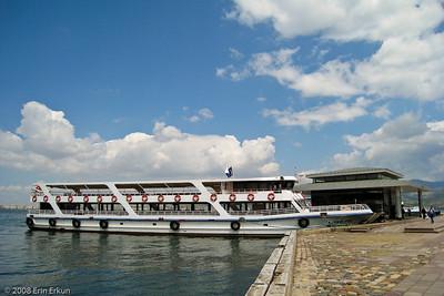 Kordon - One of the new, smaller ferries that ply the Bay of İzmir is docked at the Alsancak Vapur İskelesi (Alsancak Ferry Terminal).
