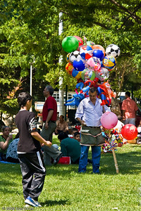 Kültür Park - This vendor has a variety of balloons and balls to tempt children of all ages.