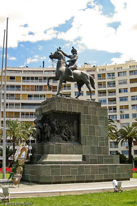 """Kordon - The centerpiece of Cumhuriyet Meydanı (Republic Square) is the Atatürk Monument, an impressive statue of the man considered to be the Father of Turkey sitting on a horse and facing the sea. He is quoted as saying: """"Ordular ilk hedefiniz Akdeniz'dir, ileri!"""" (Soldiers, your first goal is the Mediterranean, forward!)  Erected in 1933, the monument commemorates the liberation of the city by Turkish forces."""