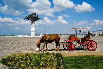 Kordon - Horse-drawn carriages like this one in Gündoğdu Square have been around for as long as I can remember.