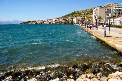 The Çeşme waterfront promenade.